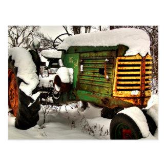 Tractor de granja antiguo viejo de Oliverio Postal
