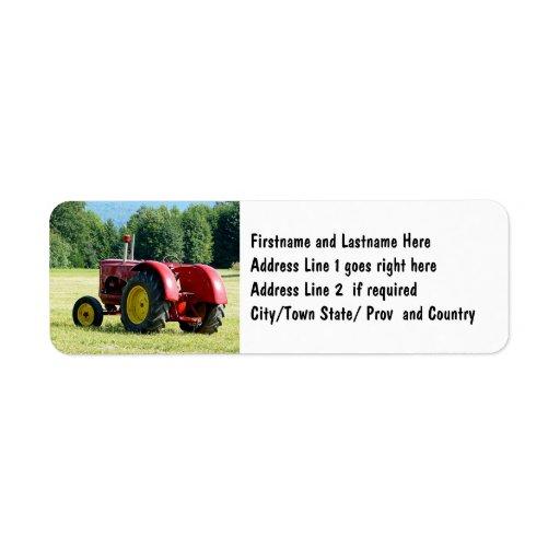 Tractor de granja rojo antiguo etiqueta de remite