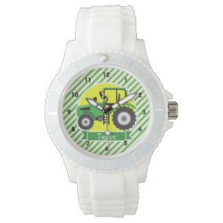 Tractor de granja verde con amarillo;  Verde y Relojes De Pulsera