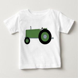 Tractor de granja verde playera de bebé