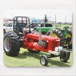 Tractor del coche de carreras tapete de raton