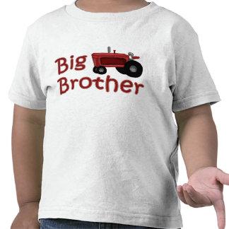 Tractor del rojo de hermano mayor camisetas