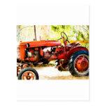 Tractor del rojo del vintage postal