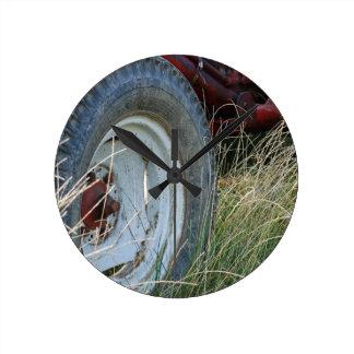 tractor details round clock