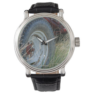 tractor details wrist watch