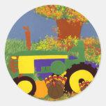 Tractor por los árboles y los pavos 1 del otoño pegatinas redondas