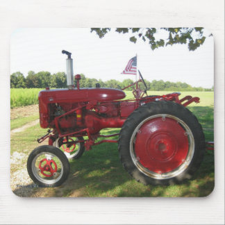 Tractor rojo Mousepad