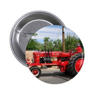 Tractor rojo pin redondo 5 cm