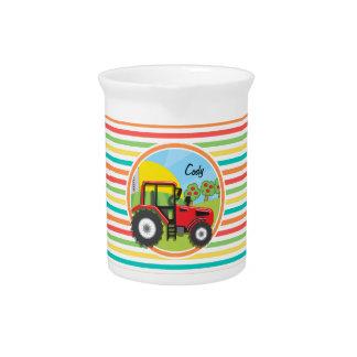 Tractor rojo; Rayas brillantes del arco iris Jarra