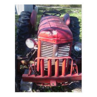 Tractor rojo retro postal