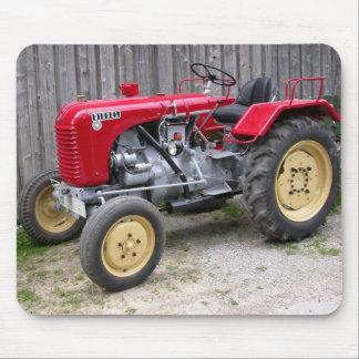 Tractor rojo alfombrilla de ratones