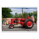 Tractor rojo tarjeta