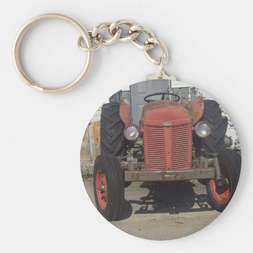 Tractor rojo viejo llavero