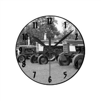 Tractor Show 2016 Round Clock