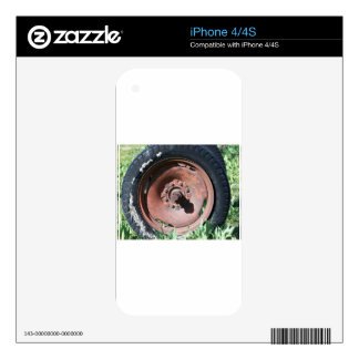 Tractor Tire iPhone 4 Decal