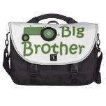 Tractor verde mayor de hermano bolsas de portátil