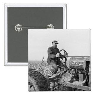 Tractor viejo de confianza, los años 30 pin cuadrado