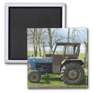 Tractor viejo en imán holandés del refrigerador de