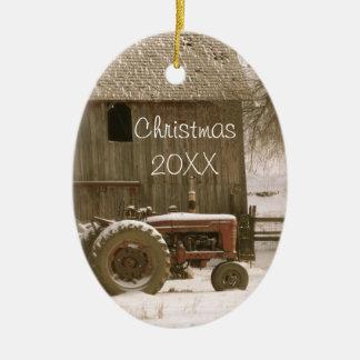 Tractor y ornamento del navidad del granero adorno navideño ovalado de cerámica