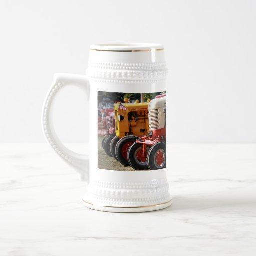 Tractores de la demostración de la granja tazas de café