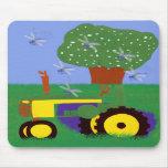 Tractores y libélulas tapetes de ratón