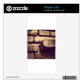 Traditional wall skin for the iPhone 4