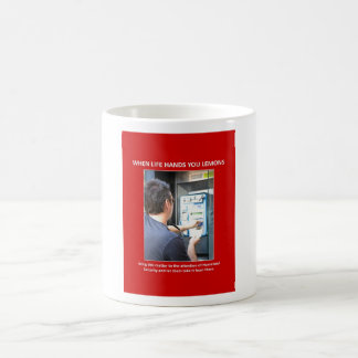 traer-a--atención-de-patria-seguridad taza de café