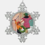 Traer alegría del navidad adorno de peltre en forma de copo de nieve
