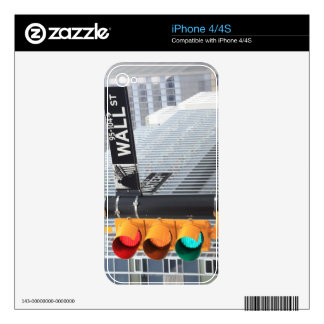 Traffic Light and Wall Street Sign Skins For The iPhone 4S