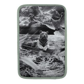 Tragaluz blanco y negro de la navegación del barco funda macbook air