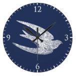 Trago azul y blanco del vuelo reloj