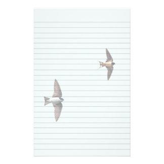 Trago de árbol animal del pájaro y trago de  papeleria de diseño