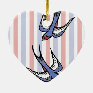 Tragos del amor adorno navideño de cerámica en forma de corazón