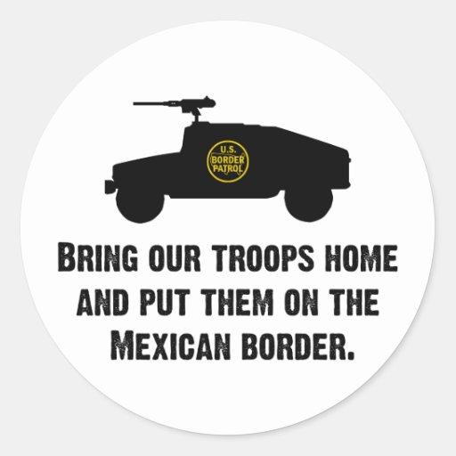 Traiga a casa a nuestras tropas - frontera pegatina redonda