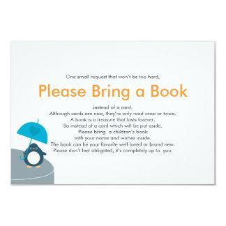 """Traiga a libro el muchacho lindo del pingüino invitación 3.5"""" x 5"""""""