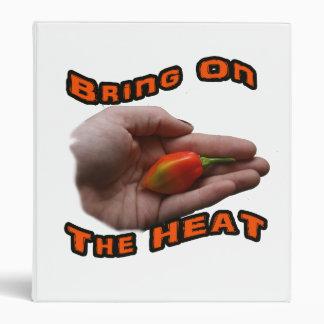 Traiga en el calor una pimienta caliente del haban