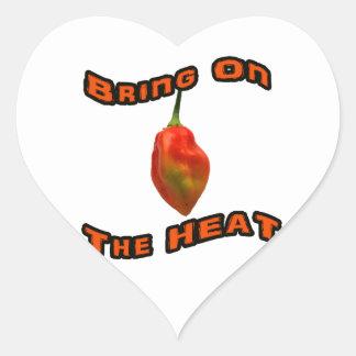 Traiga en la sola pimienta caliente del habanero pegatina corazón
