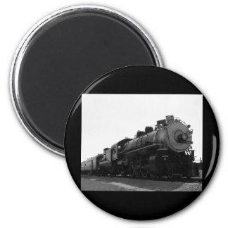 TRAIN 2 INCH ROUND MAGNET