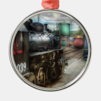 Train - 4039 - In the train yard Round Metal Christmas Ornament