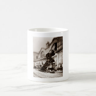 Train Derailment At Montparnasse Station - 1895 Coffee Mug