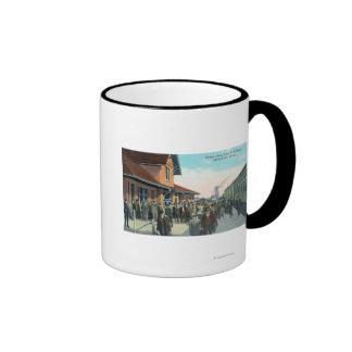 Train Passengers De-Boarding Ringer Mug
