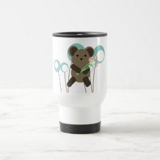 Traje a éstos para usted la taza del oso de peluch