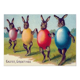"""Traje coloreado del huevo del conejito de pascua invitación 5"""" x 7"""""""