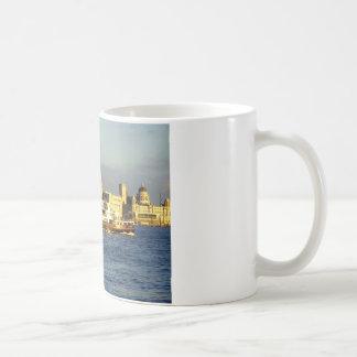 Transbordador de Mersey y costa de Liverpool Taza Clásica