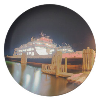 transbordador de plata del lago en la isla del platos para fiestas