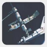 Transbordador espacial atracado 2 colcomania cuadrada