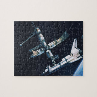 Transbordador espacial atracado 2 puzzle con fotos
