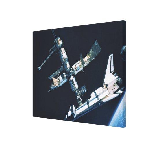 Transbordador espacial atracado 3 lienzo envuelto para galerías