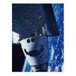 Transbordador espacial atracado 3 postal
