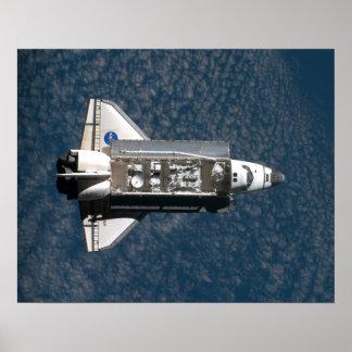 Transbordador espacial - bahía de cargo abierta poster